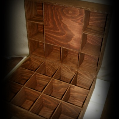 Cutii din lemn compartimentate