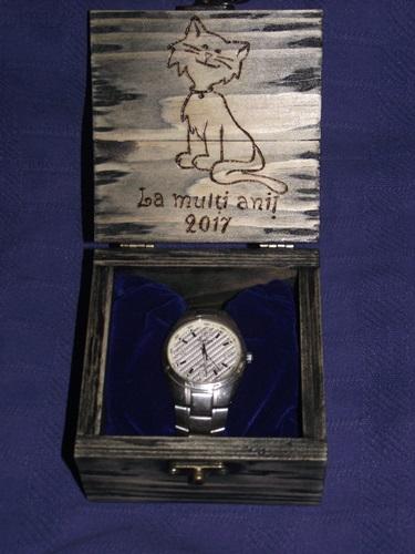 cutie ceas